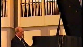 Natan Benditzkiy plays Beethoven sonata №13 in Es-dur op. 27 №1