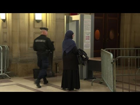 "French ""returning foreign fighters"" on trial"