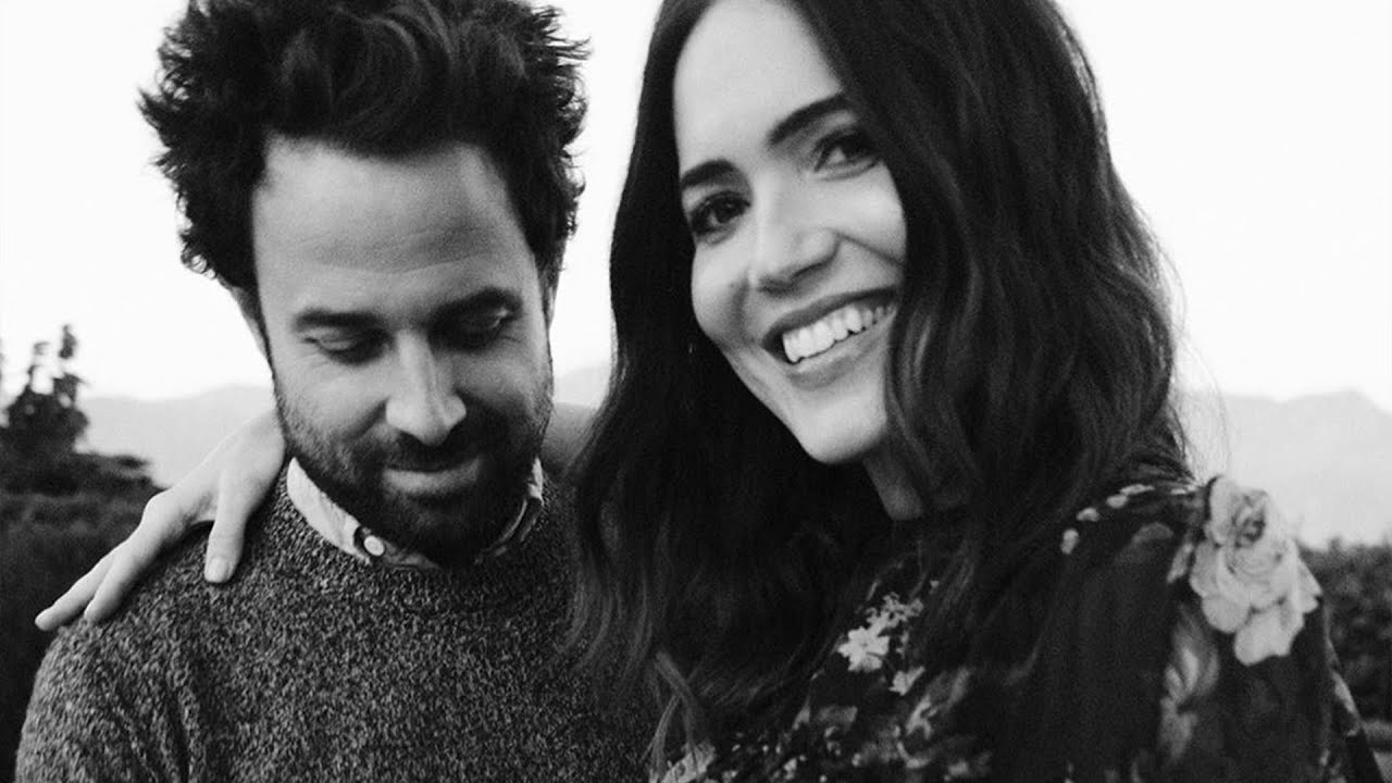 Mandy Moore is expecting her first child with Taylor Goldsmith: 'Baby ...
