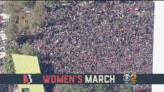 2018-01-21-02-37.Hundreds-Of-Thousands-Attend-Women-s-March-To-Promote-Voting