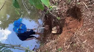 ขุดท่าน้ำเป็นขั้นบันได เพื่อเอาน้ำรดต้นไม้ที่ปลูก #เกษตรสนุก