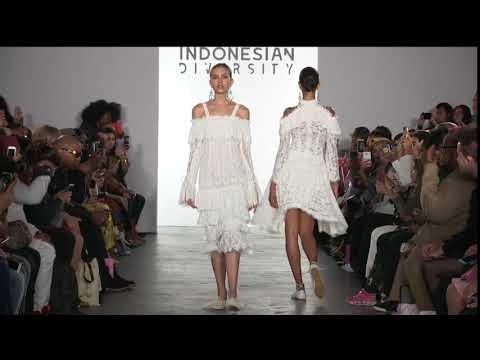 BARLI ASMARA - INDONESIAN DIVERSITY - NEW YORK FASHION WEEK FIRST STAGE S/S 18