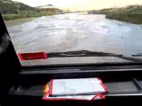 Driving up Te Paki Stream