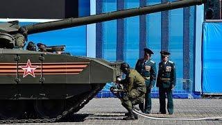 Заглохший танк Армата T-14 на репетиции парада