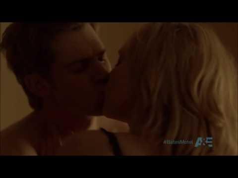 Norma Bates & Zack Shelby   Bates Motel Season 1   Vera Farmiga