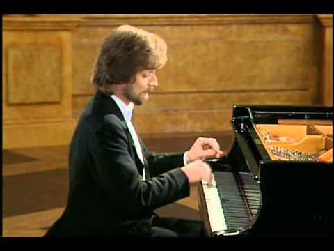 Zimerman play Chopin Scherzo in B-flat minor, op. 31