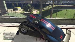 Grand Theft Auto Auto ist auf Auto drauf