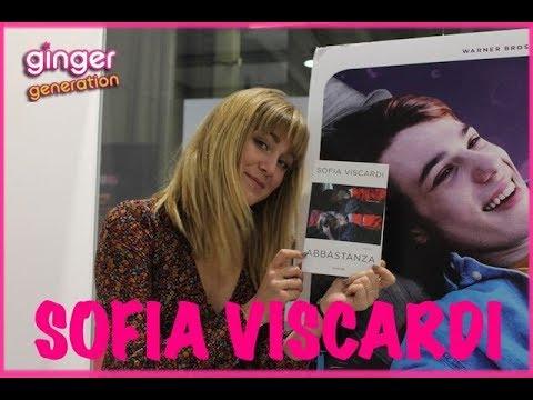 Sofia Viscardi racconta il suo libro Abbastanza - Intervista!