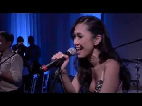 Bao Han + Tee | Surprise First Wedding Dance: Singing an 80s Medley