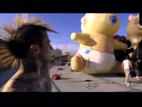 Blink 182 - Making The Video Feeling This
