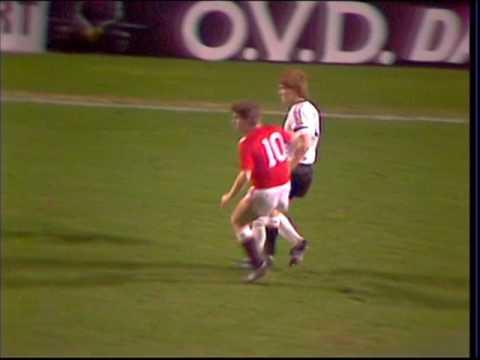 18/11/1984 Manchester United v Dundee United