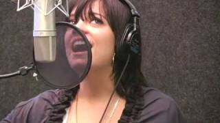 "Lily Allen Performs ""He Wasn"