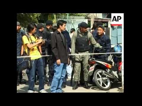 Schoolboy held hostage by knifeman rescued