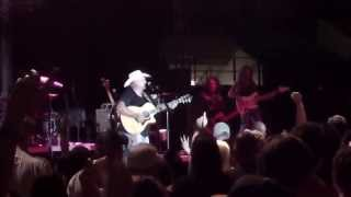Chris Cagle - Chicks Dig It (Live)