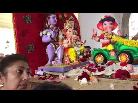La Comunidad Hindú sumerge a Ganesh
