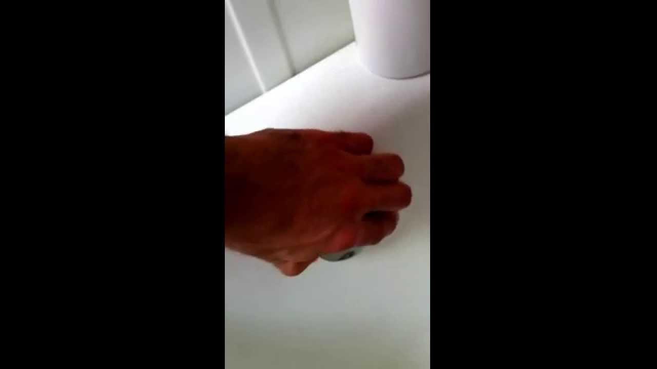 Tappo Vasca Da Bagno In Inglese : Idraulico a milano e monza brianza tappo della vasca youtube