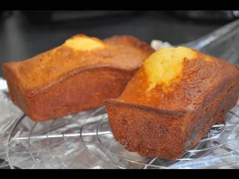 recette-du-cake-fondant-au-chocolat-blanc-vanille