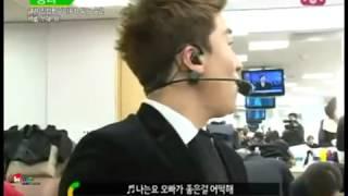 Video Bigbang's Seungri imitating IU (Good Day) download MP3, 3GP, MP4, WEBM, AVI, FLV Agustus 2018