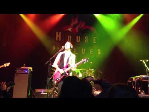 Paul Gilbert - Vibrato (Live)