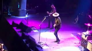 Download Lagu Gary Clark Jr live -- Beatles Cover (flubs lyrics!) -- Come Together -- Grand Rapids, MI -- 09/26/17 Mp3