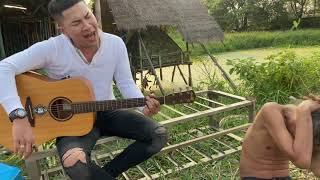 มาฟังเพลง นกฮูกตาโป ขับร้องโดยอาร์มกระนวนครับ กับแก๊งค์หลอยสี้