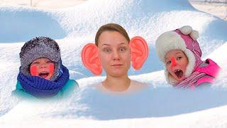 Лера и мама играют со снегом и лепят снеговика   сборник серий