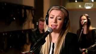 Kasia Cerekwicka - Między słowami (Poplista Plus Live Sessions)