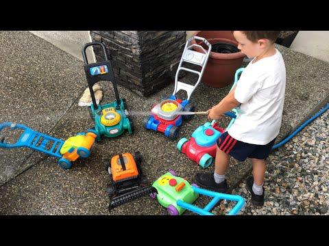 Toy Lawn Mowers Car Wash Day!!