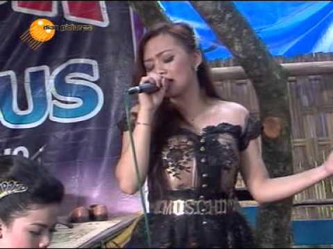 Galau - ( Voc. LINTANG ) OM. ZELINDA Live in  Pengin - terbaru 2016