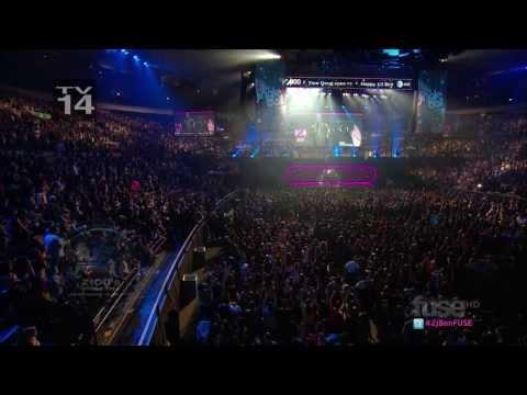 BoB feat Harley Williams (Paramore) - Airplanes @ Live at Z100's Jingle Ball 10/12/2010