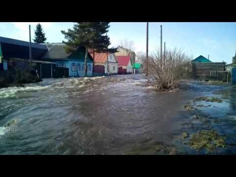 В городе Ишим Тюменской области продолжается борьба с паводком