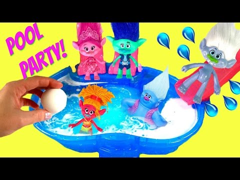 Trolls Movie Branch & Poppy Have a Pool Party and Dive for Toy Surprises | Fizzy Toy Show