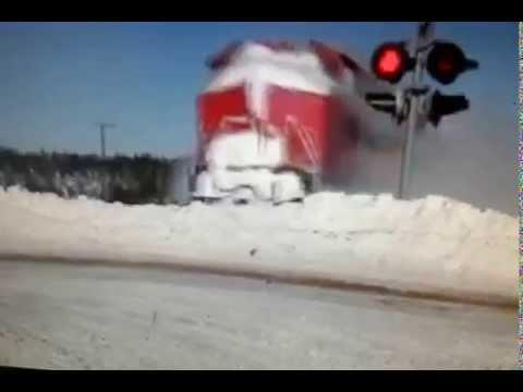 EPIC CATCH!!! Dashing Thru The Snow - CN Train 406 West At Salisbury, NB (Feb 3, 2015)