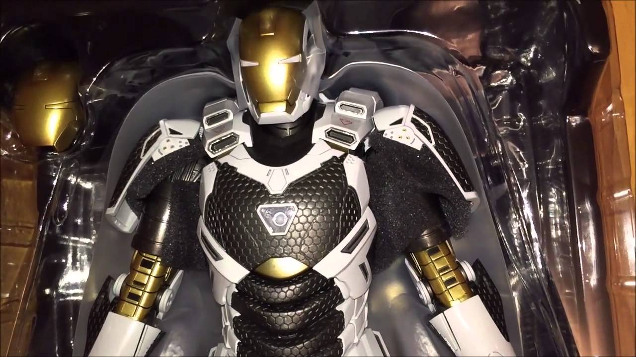 hot toys iron man mk39 starboost unboxing youtube. Black Bedroom Furniture Sets. Home Design Ideas