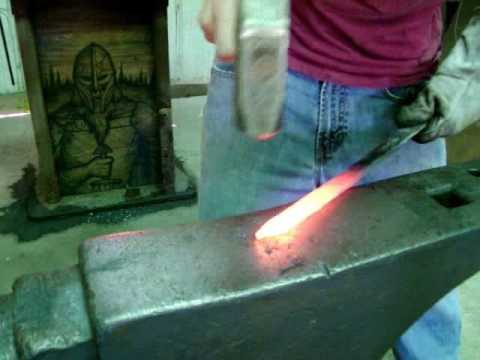 Crafting Vinwid – Forging a tool steel knife