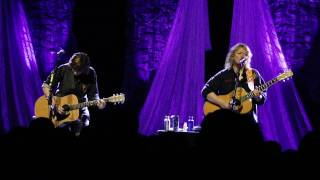Watch Indigo Girls Fill It Up Again video
