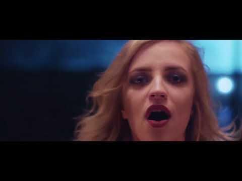 Haloo Helsinki! - Tuntematon. О съёмках клипа и сотрудничестве с Аку Лоухимиесом (русские субтитры)