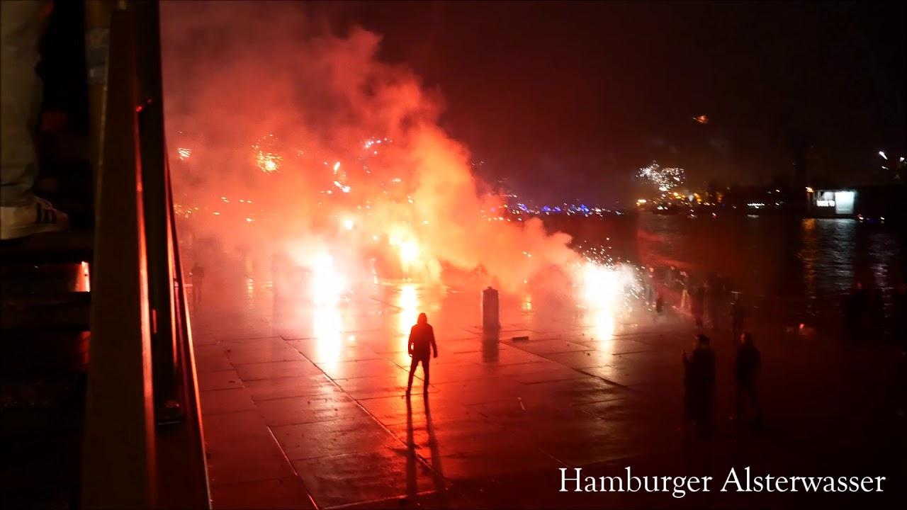Silvester 2017 And 2018 Kugelbombe Hamburg Hafen Youtube