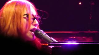 Watch Tori Amos Fire On The Side video