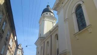 Узкие улочки старого города Львов...