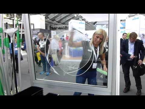 Unger Girl Squeegee Tricks - Amsterdam Cleaning Show 2014