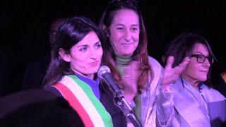 Roma, Raggi festeggia l'abbattimento delle ville di Casamonica, cittadini: