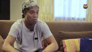 """Ronaldinho: """"Recuerdo con cariño haber hecho el primer pase de gol a Messi"""""""