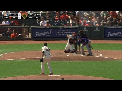 COL@SF: Posey throws out Hundley from his knees