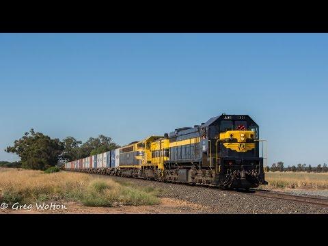 Australian Trains: Qube's 9372 Deni Freight