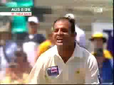 Rana Naved Vs Justin Langer Clean Bowled