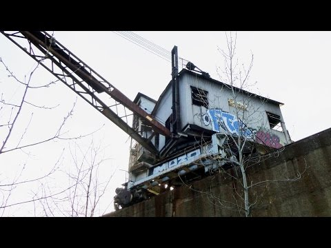 Exploring Old Abandoned Crane part 2 - Inside the Crane, Huge Winches and Motor