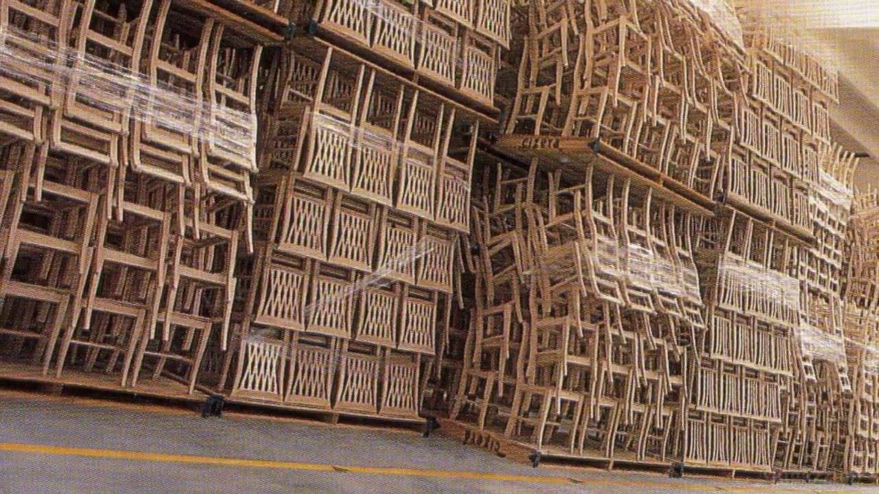 Sedie E Tavoli Manzano 1335.manzano - immagini - lavorazione della sedia - storia