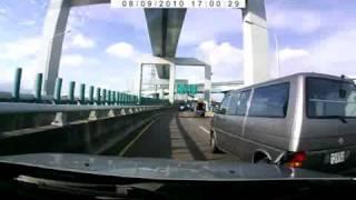 [行車記錄器] 未打方向燈任意變換車道疾駛急停