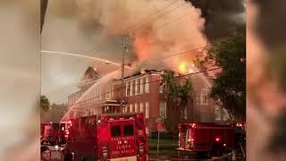 Fire destroys Tampa elementary school